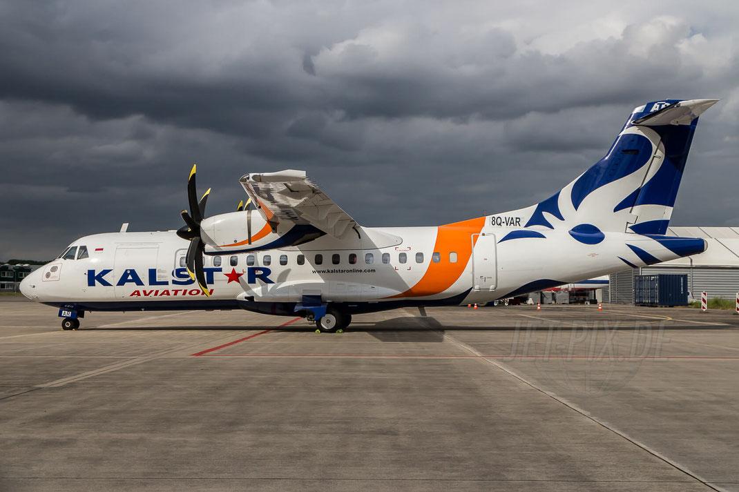 8Q-VAR KalStar Aviation ATR 42-500 2015 05 25 EDLN Mönchengladbach after Thunderstorm Werft RAS