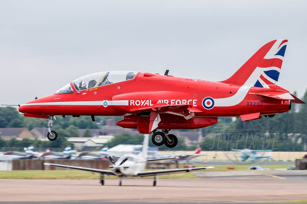 XX232 Red Arrows Royal International Air Tattoo (RIAT) 2017 07 15 Fairford (EGVA)