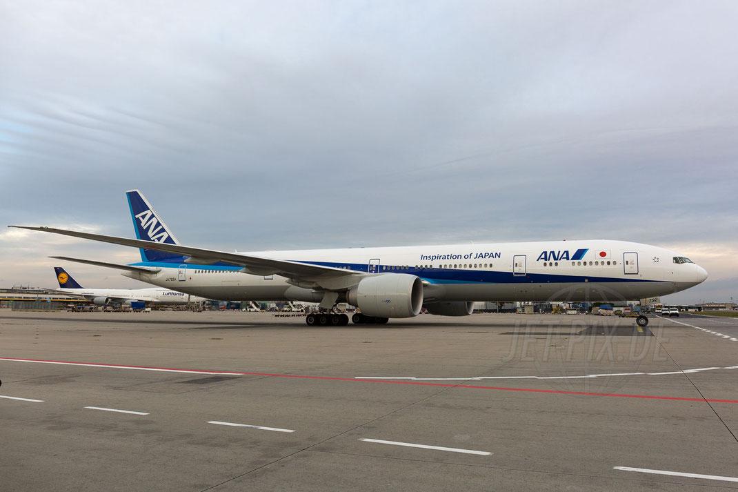 JA792A All Nippon Airways Boeing 777-381(ER) 2017 10 28 EDDF Frankfurt Tour 747UA End