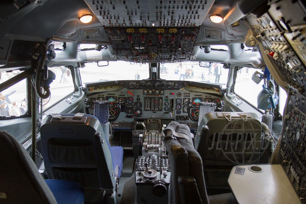 """LX-N90445 NATO AWACS Boeing 707 E3A 2012 06 16 ETNG Geilenkirchen """"Cockpit"""""""