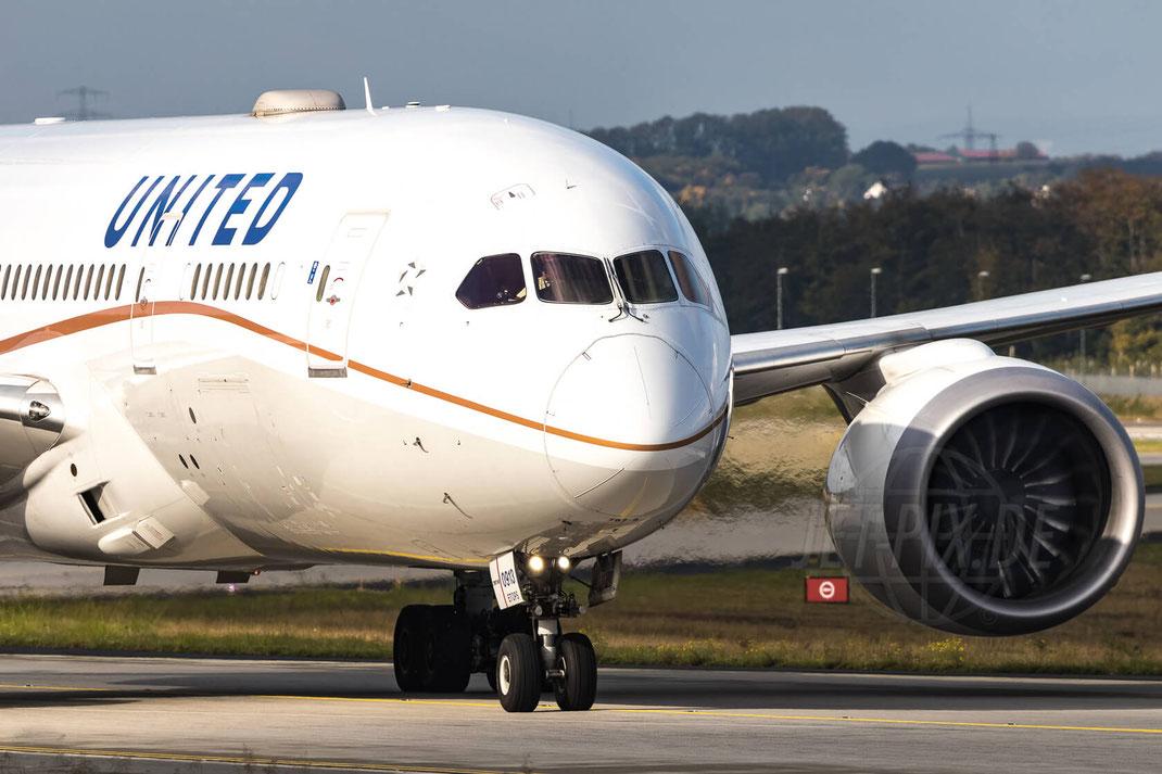 N30913 United Airlines Boeing 787-8 Dreamliner 2017 10 03 EDDF Frankfurt Taxiway Nordwest Landung Home Urlaub Vacation Jet Plane Engine Jetwash