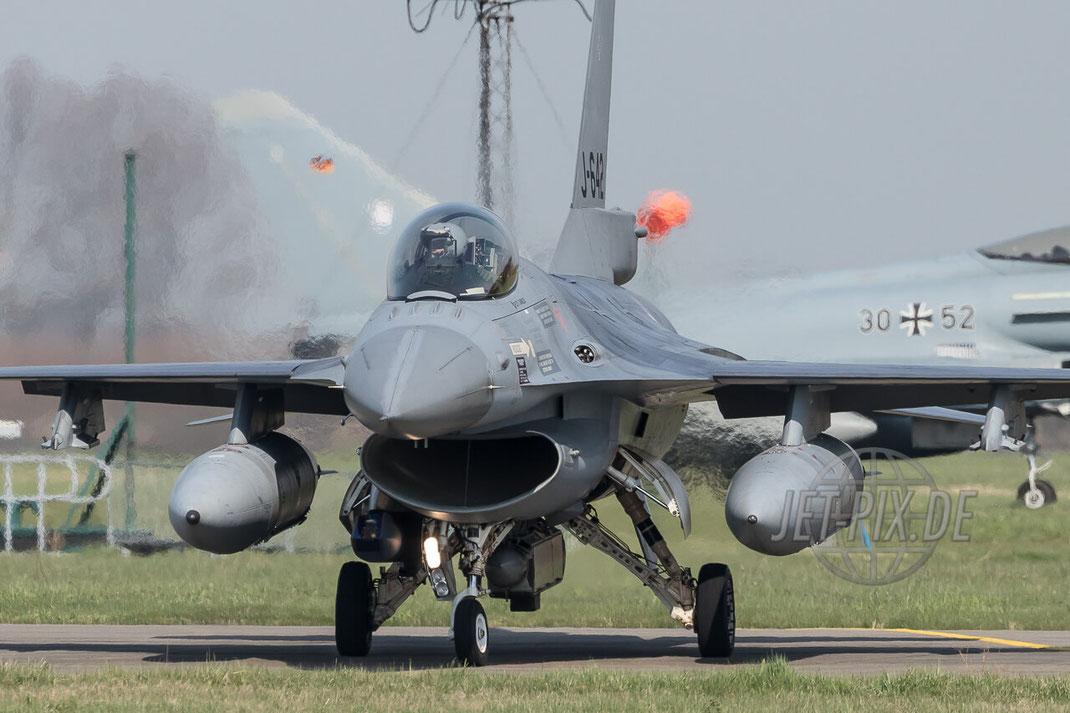 J-642 General Dynamics F-16A Block 20 MLU RNlAF Frisian Flag 2017 Leeuwarden (EHLW) Taxiing Fighter Jet-Noise Friesland Spotter Planespotter Jet-Spotter Afertburner Full-Power