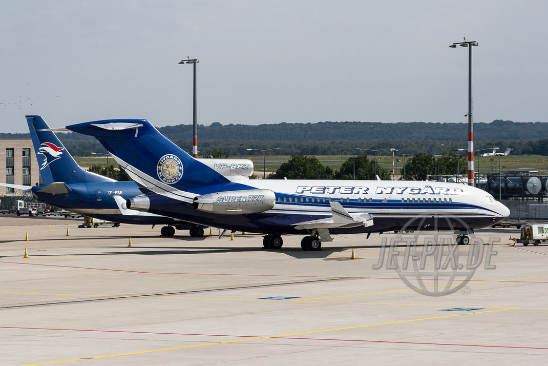 VP-BPZ Peter Nygard Boeing 727 2012 08 15 EDDK Köln