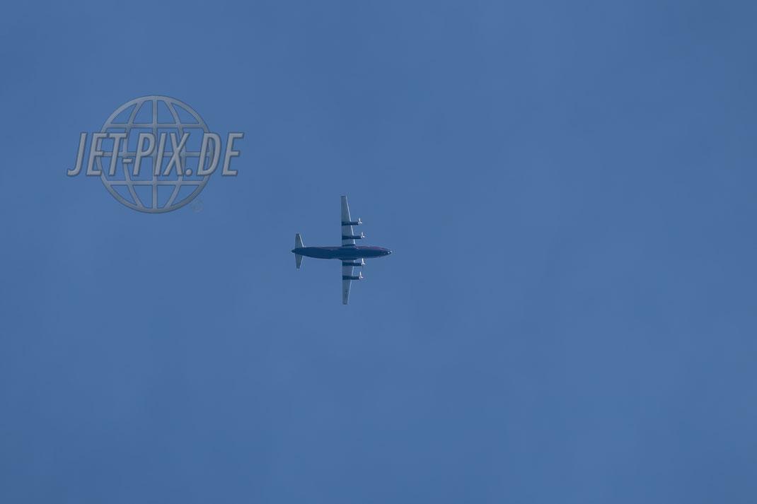 UR-CGV Ukraine Air Alliance Antonov 12 2017 05 31 Richtung Leipzig?