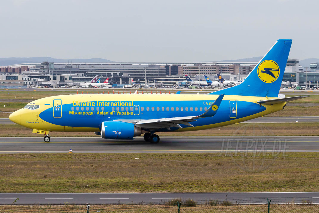 UR-GBF Ukraine International Airlines Boeing 737 548(WL) 2013 12 05 EDDF Frankfurt