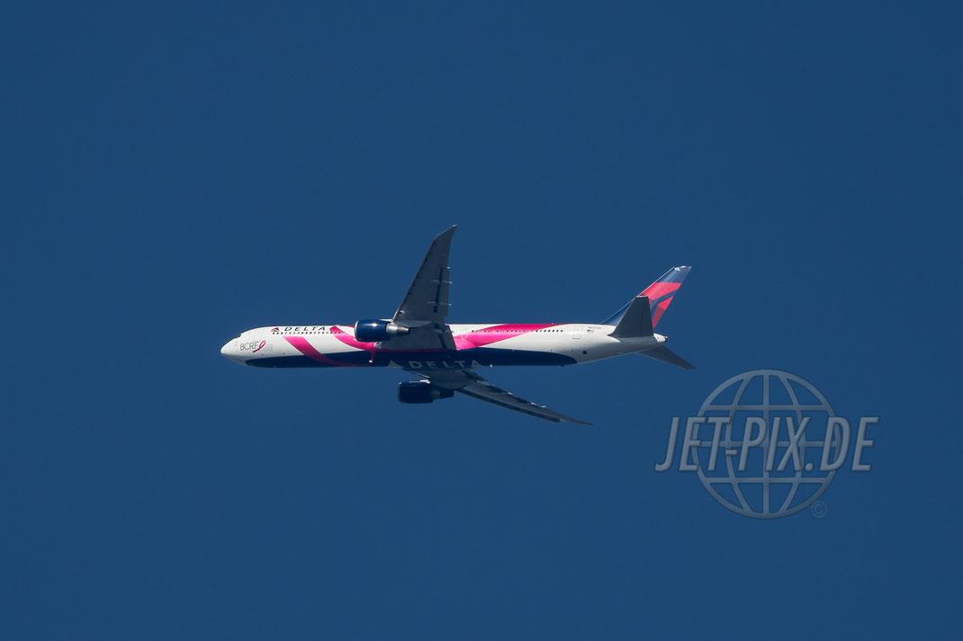 """N145MH """"BCRF"""" DELTA Boeing 767 Richtung Frankfurt (EDDF/FRA) 2017 06 15"""