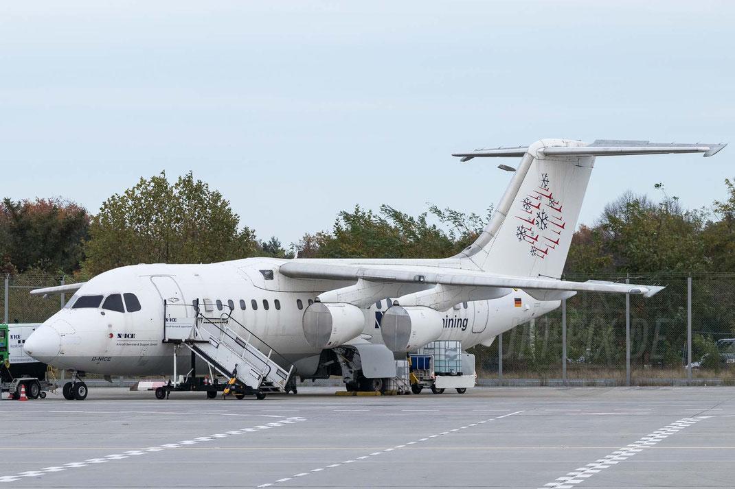 D-NICE Training BAe-146 2017 10 28 EDDF Frankfurt Tour 747UA End