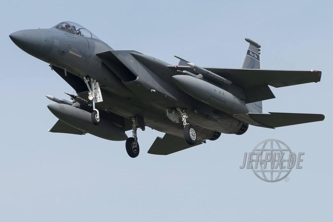 86161 McDonnell Douglas F-15C Eagle 125th Fighter Wing Florida Air National Guard Frisian Flag 2017 Leeuwarden (EHLW) Landing Jet-Noise Jet-Fighter Bomber Friesland Teilnehmer Afterburner Full-Power Jet-Wash