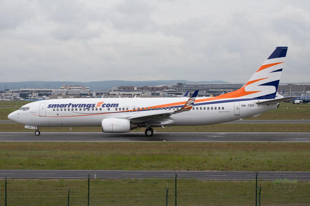 Boeing am rollen an der A5 in Frankfurt Main Flughafen