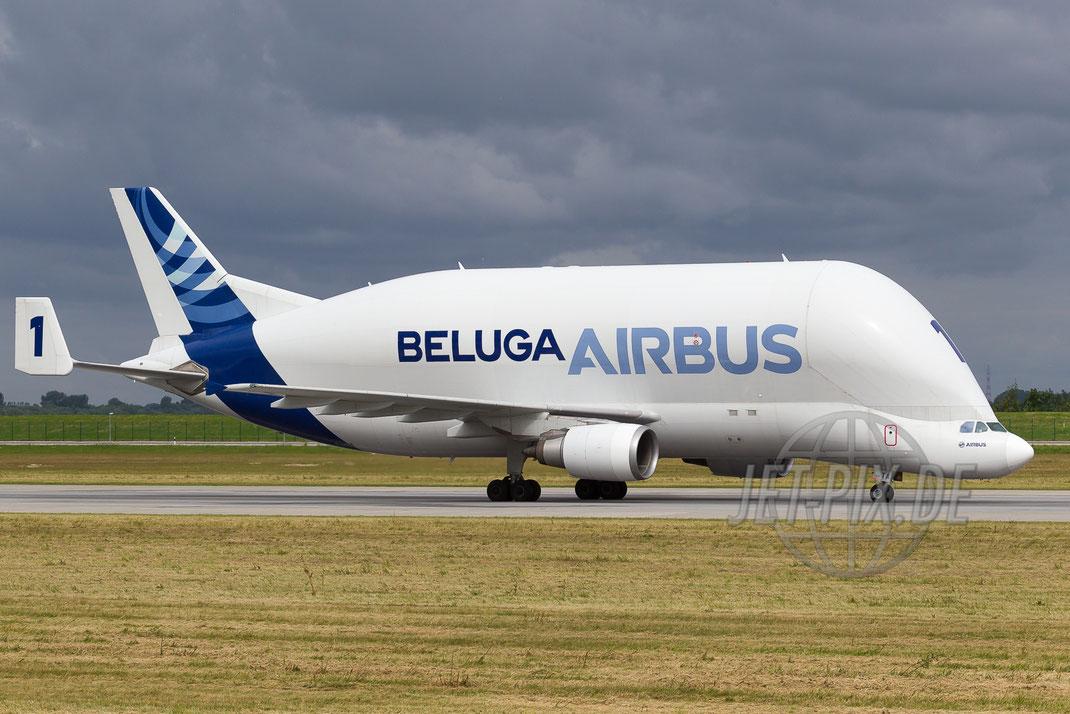 "F-GSTA ""Airbus"" Airbus A330 ""Beluga"" 2013 06 26 EDHI Finkenwerder"