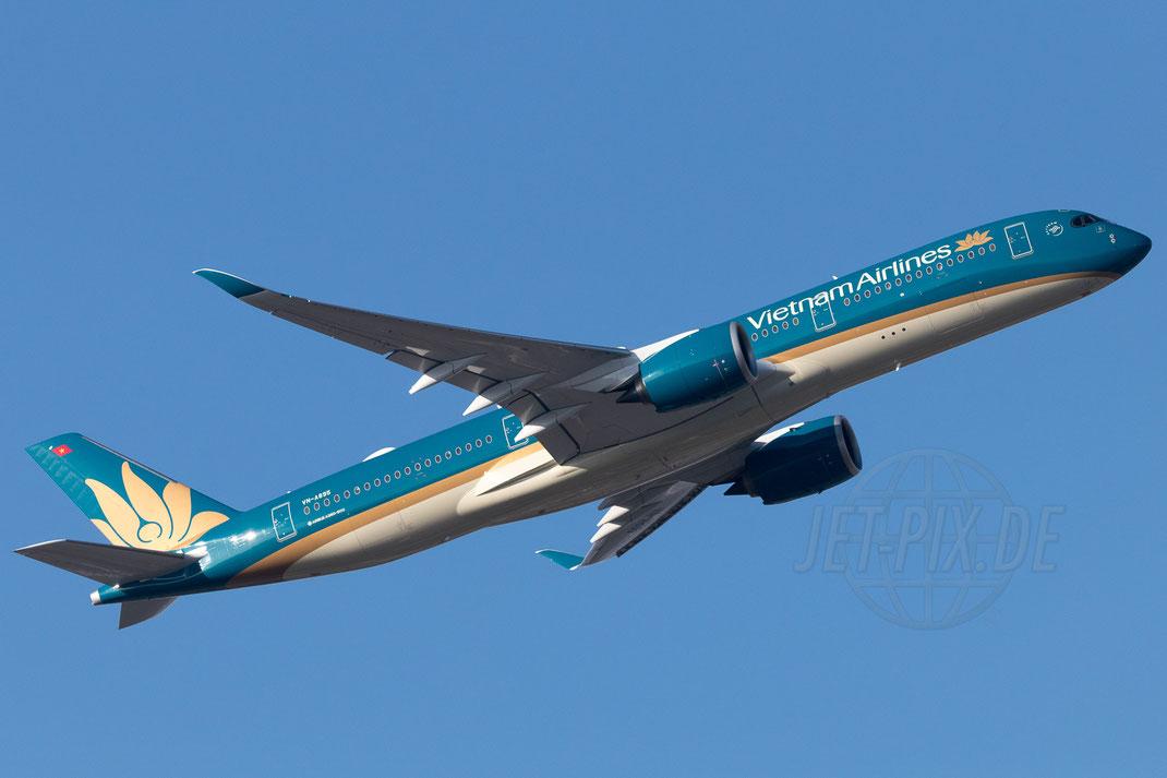 VN-A895 Vietnam Airlines Airbus A350 2018 01 09 EDDF Frankfurt