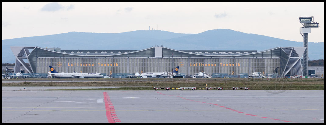 Blick auf Lufthansa Technik Hangar 2017 10 28 EDDF Frankfurt Tour