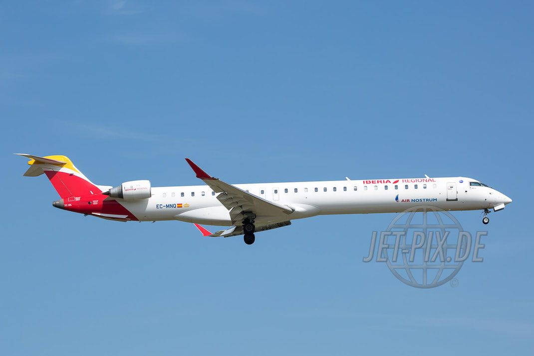 EC-MNQ CRJ-1000 Iberia International / Air Nostrum  Nordwestbahn Landen Landung Spotting Parken Ticona Leiter Morgens tolles Wetter