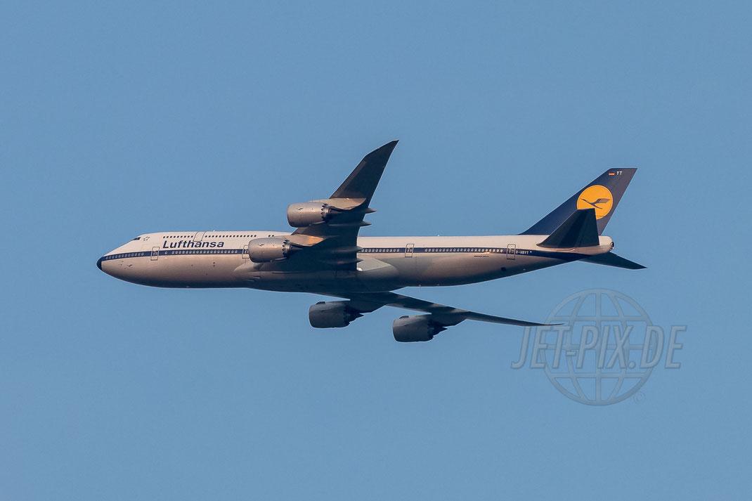 "D-ABYT Lufthansa Boeing 747-800 ""Retro-Livery"" Richtung Frankfurt (EDDF/FRA) 2017 08 26"