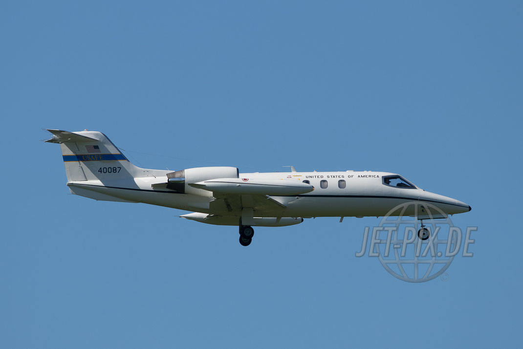 40087 US Air Force C-21 Learjet 2017 05 26 ETAR Ramstein