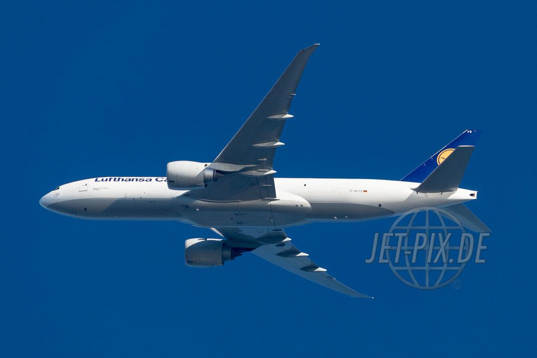 D-ALFD Lufthansa Cargo Boeing 777F 2017 05 26 Richtung Frankfurt EDDF
