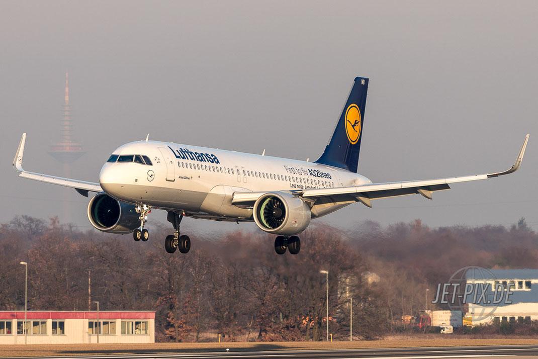 Lufthansa A320 NEO landet in Frankfurt bei bestem Licht