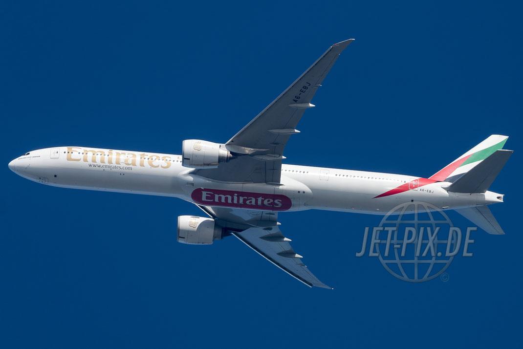A6-EBJ Emirates Boeing 777 2017 05 26 Richtung Frankfurt EDDF