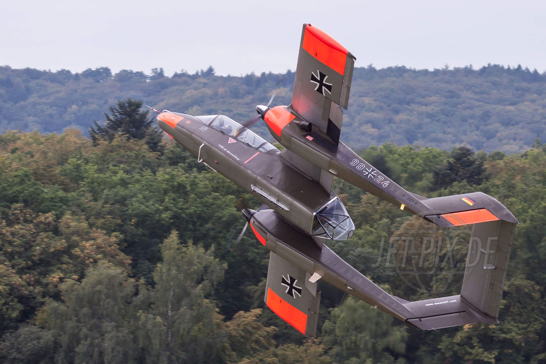 99+24 aka. F-ZAKM Private North American OV-10B Bronco 2011 09 04 EDST Hahnweide