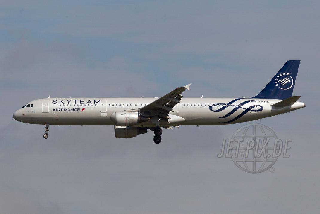 "F-GTAE AirFrance ""Skyteam"" Airbus A321 2014 09 01 LFPG Charles de Gaulle"