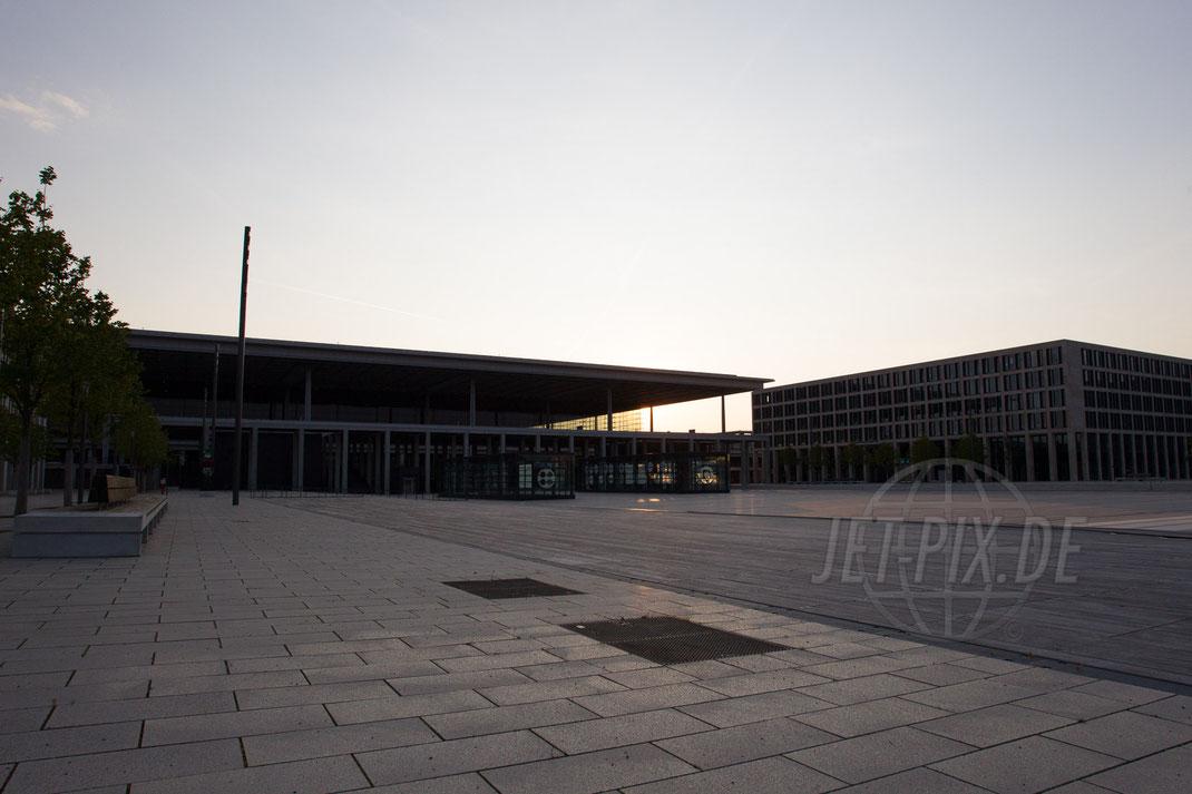 Flughafen Berlin Brandenburg BER 2014 08 21 EDDB Willy Brandt