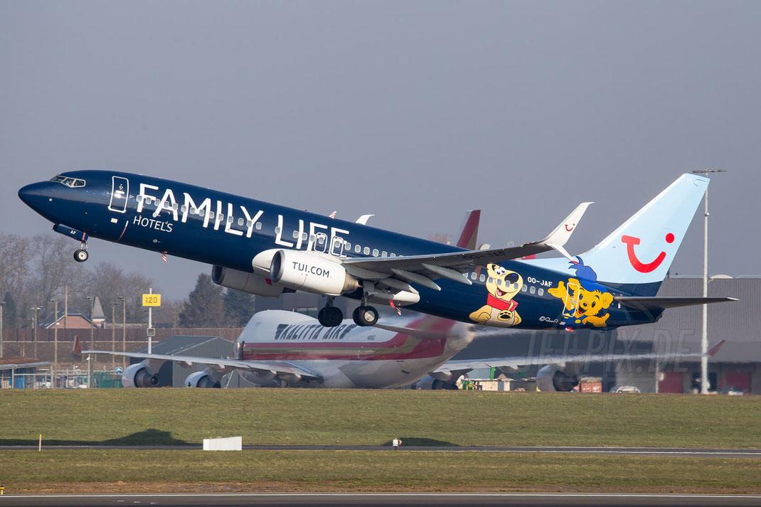 OO-JAF JetAirFly Boeing 737 2016 03 10 EBLG Lüttich Spotting bestes Wetter viel Spaß Gruppe