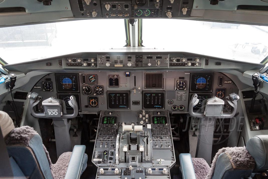 PH-OFE KLM Cityhopper Fokker F100 2012 03 25 EHAM Amsterdam