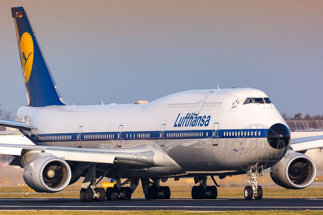 "D-ABYT Lufthansa ""Retro"" Boeing 747-830 2017 12 07 EDDF"