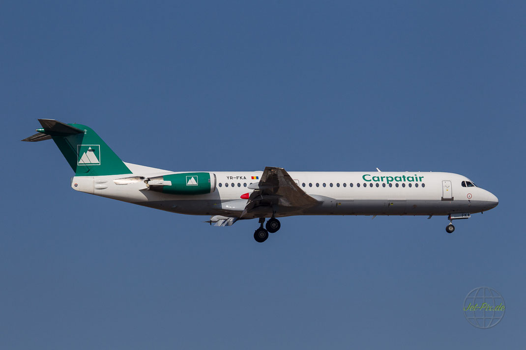 YR-FKA Carpartair Fokker 100