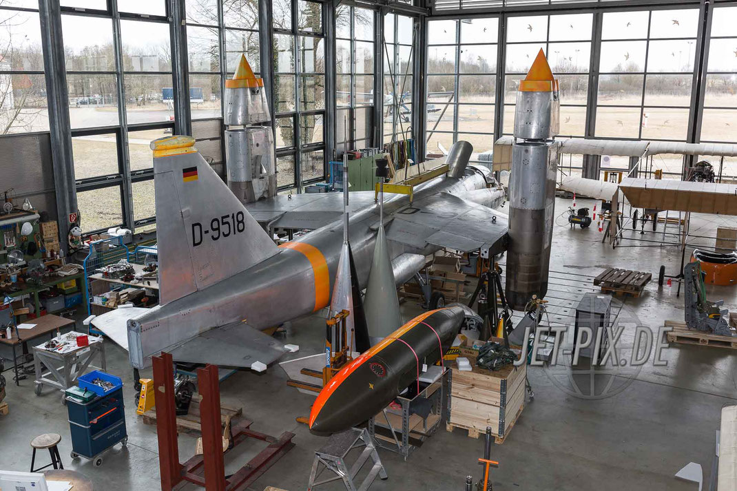 D-9518 Versuchsjäger Senkrechtstarter bei der Restauration in der Flugzeugwerft Oberschleißheim München Deutsche Museum