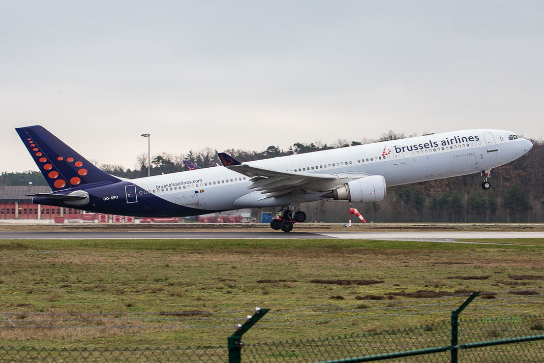 Brussels Airlines A330 Startbahn West Frankfurt Main Start