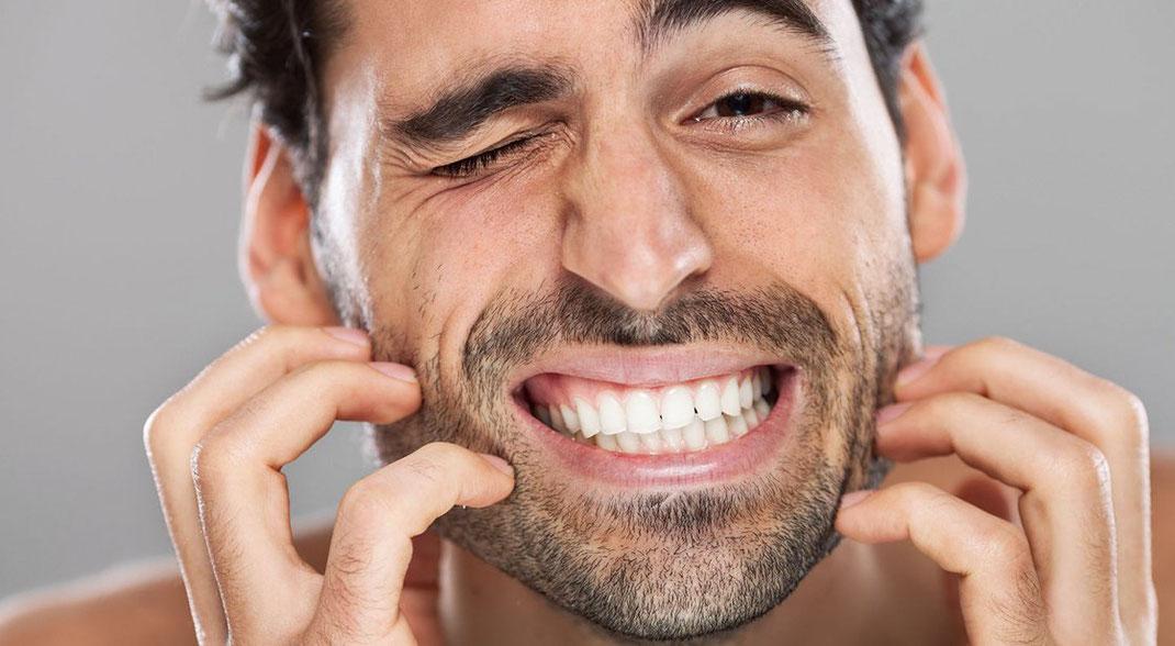 ¿Qué efectos secundarios tiene el Minoxidil?