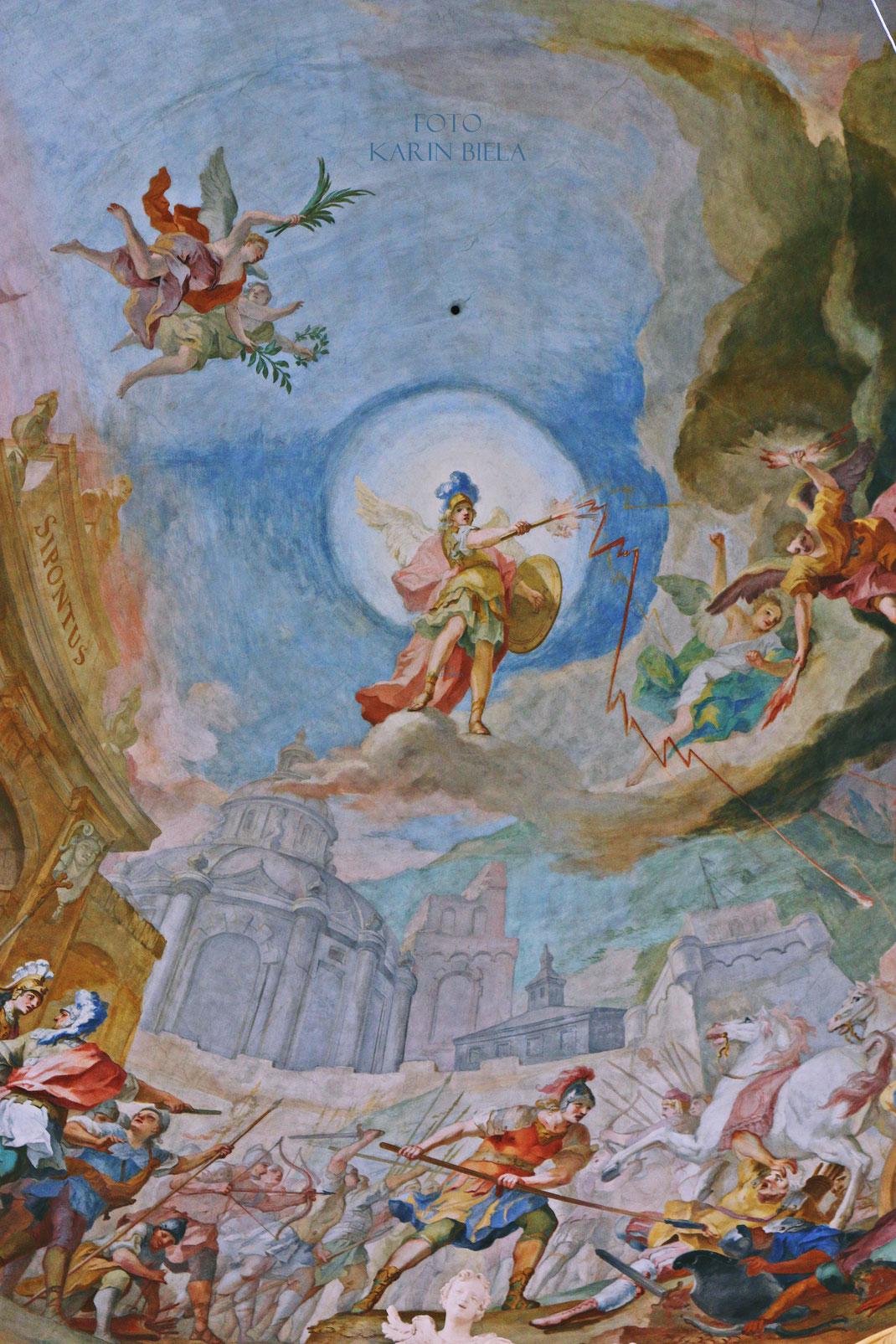 Sankt Michael in Berg am Laim ist eine der prachtvollsten und bedeutendsten Sakralbauten im heutigen Stadtgebiet von München. Detail des Deckenfreskos von Johann Baptist Zimmermann.