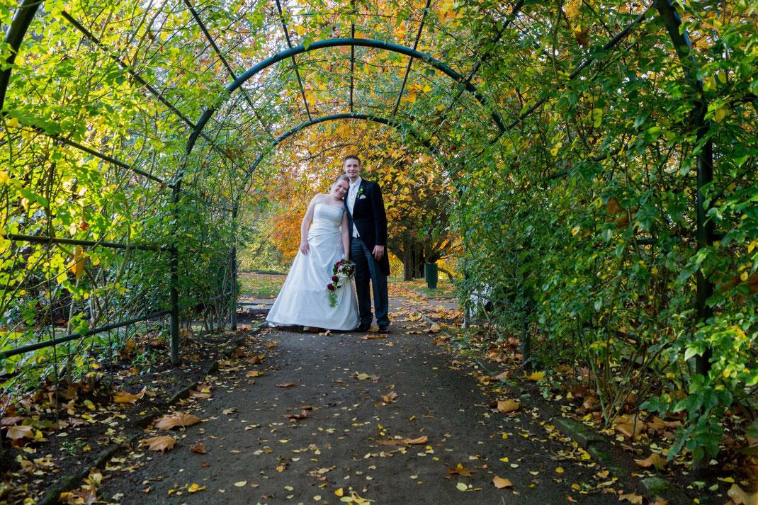 Brautpaar, Shooting, Herbst, Brautkleid, Hochzeitsanzug, Glück, Freude,