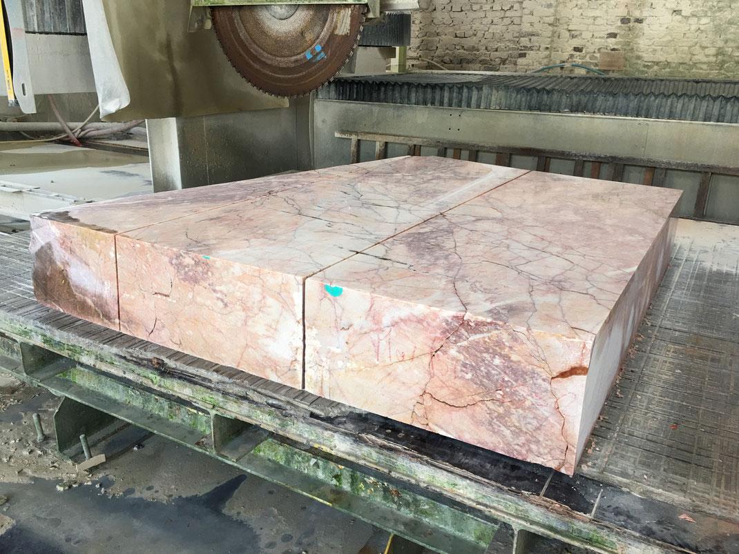 bloc de marbre du Languedoc - évier en pierre naturelle