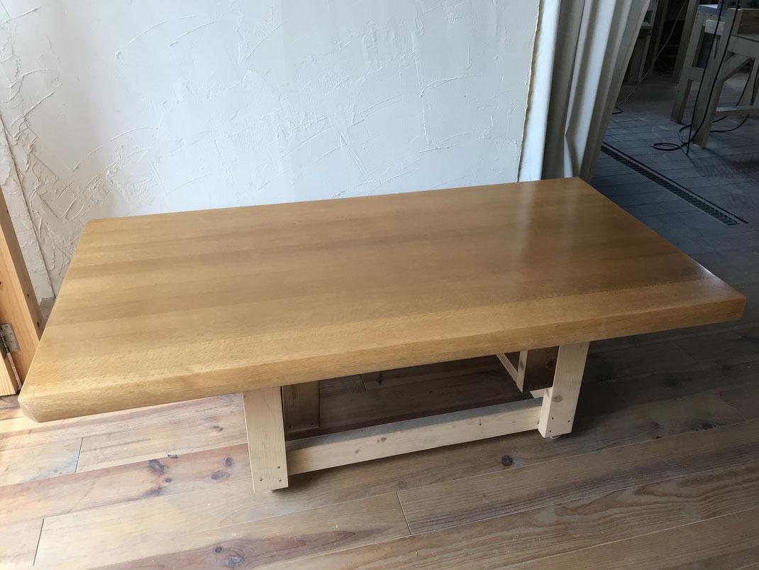 食堂テーブル塗装後