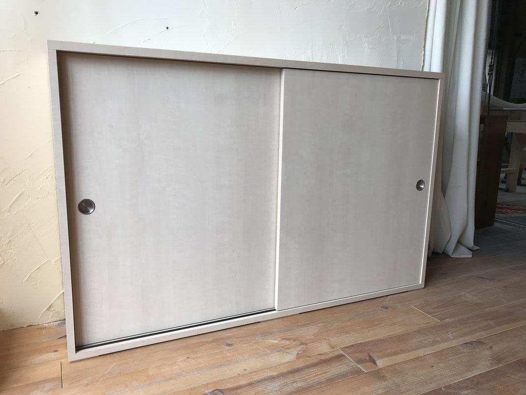 引戸収納棚