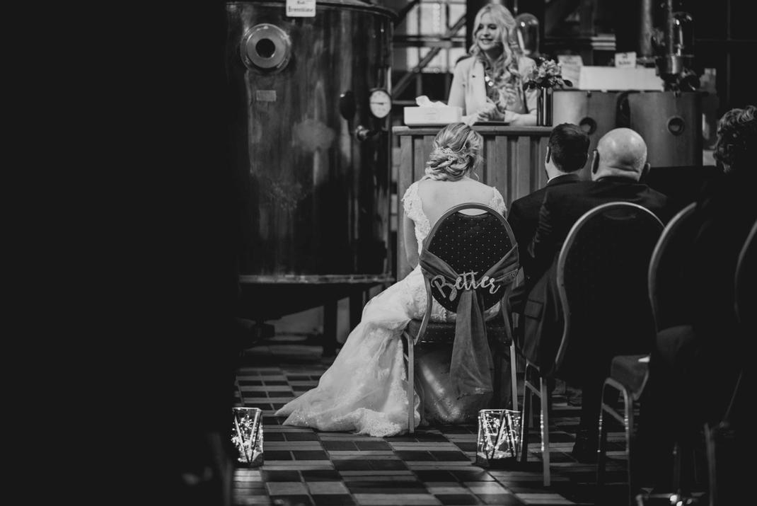 Bild: Freie Trauung in Krefeld, Inspiration für die Hochzeit und freie Trauung, finde Ideen und Tipps für die Hochzeitsfeier und freie Trauung in Düsseldorf, NRW, gefunden auf philosophylove.de aus Düsseldorf, Trauredner Düsseldorf, Trauteam, Traurednerin