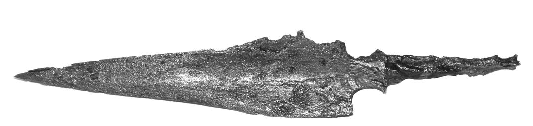 Dreiflügelige Pfeilspitze mit langem Blatt und einem Absatz zum Schaftdorn