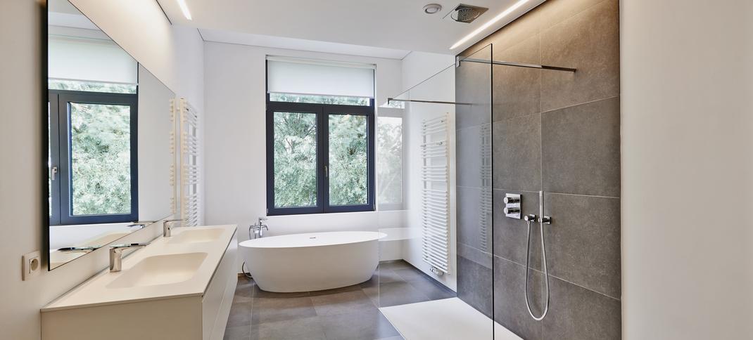 Modernes Badezimmer barrierefrei