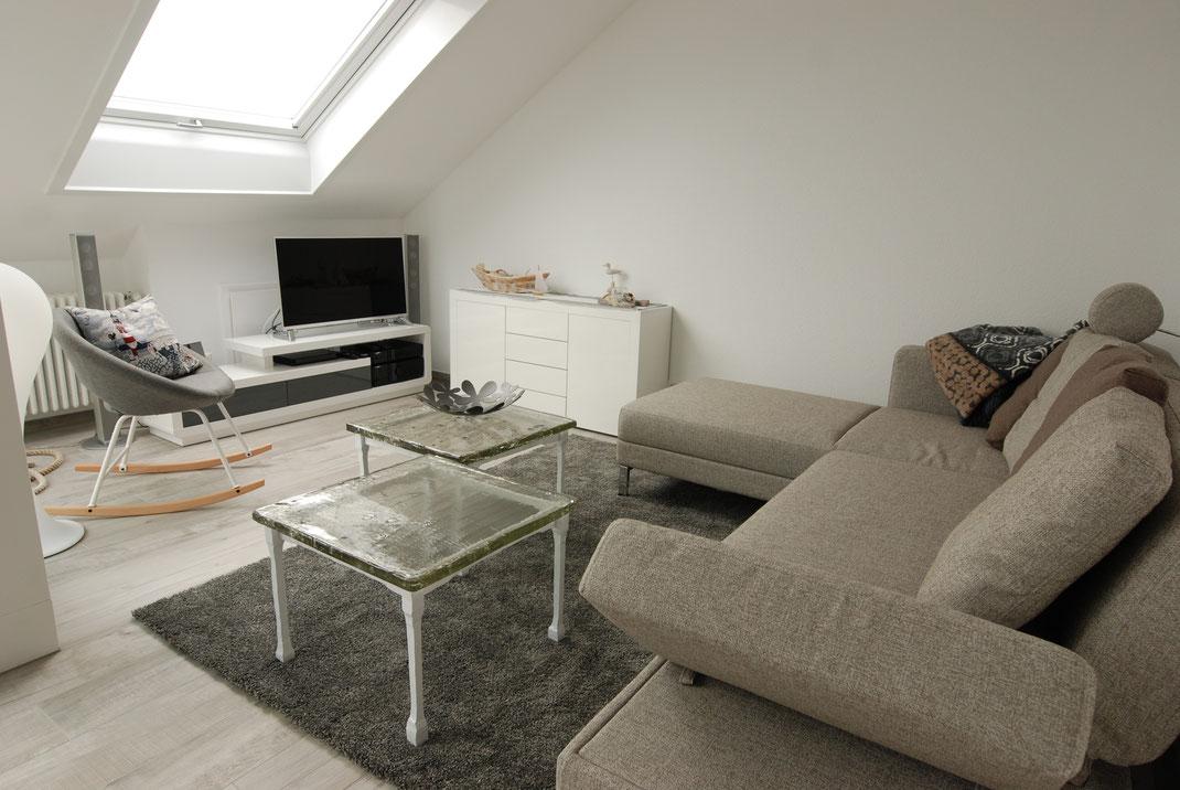 Brühl-Design-Sofa  -Multifunktion ausziehbar 2 x 2 m, mit Heimkino 4 K plus HIFI mit großer Musik- & Filmauswahl