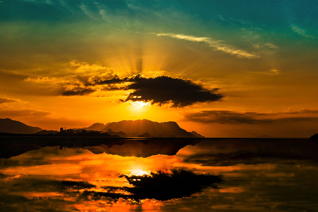 Sonnenuntergang-Sunset auf der Insel Langkawi in Malaysia © Jutta M. Jenning mjpics