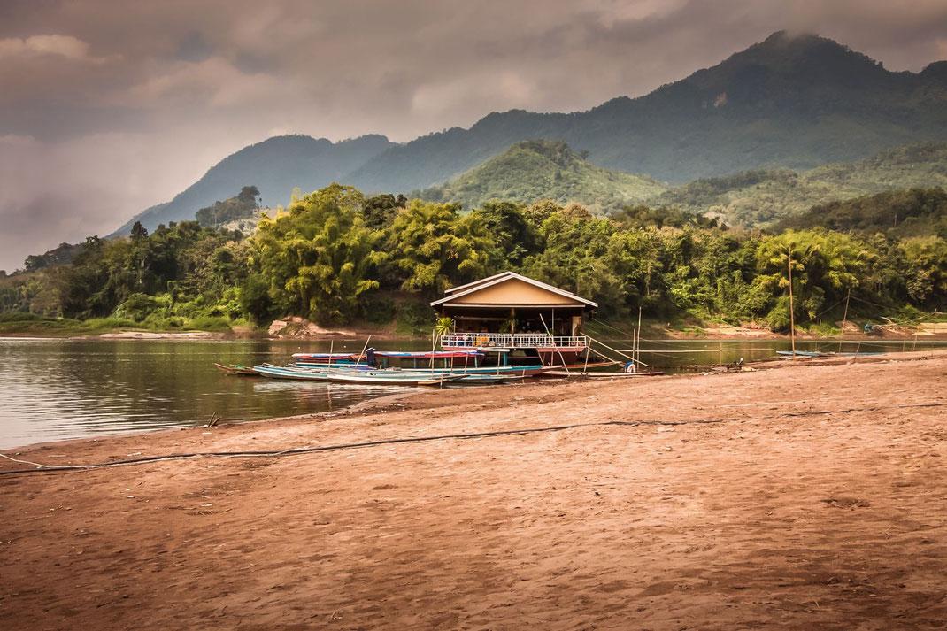 boote-am-mekong-laos