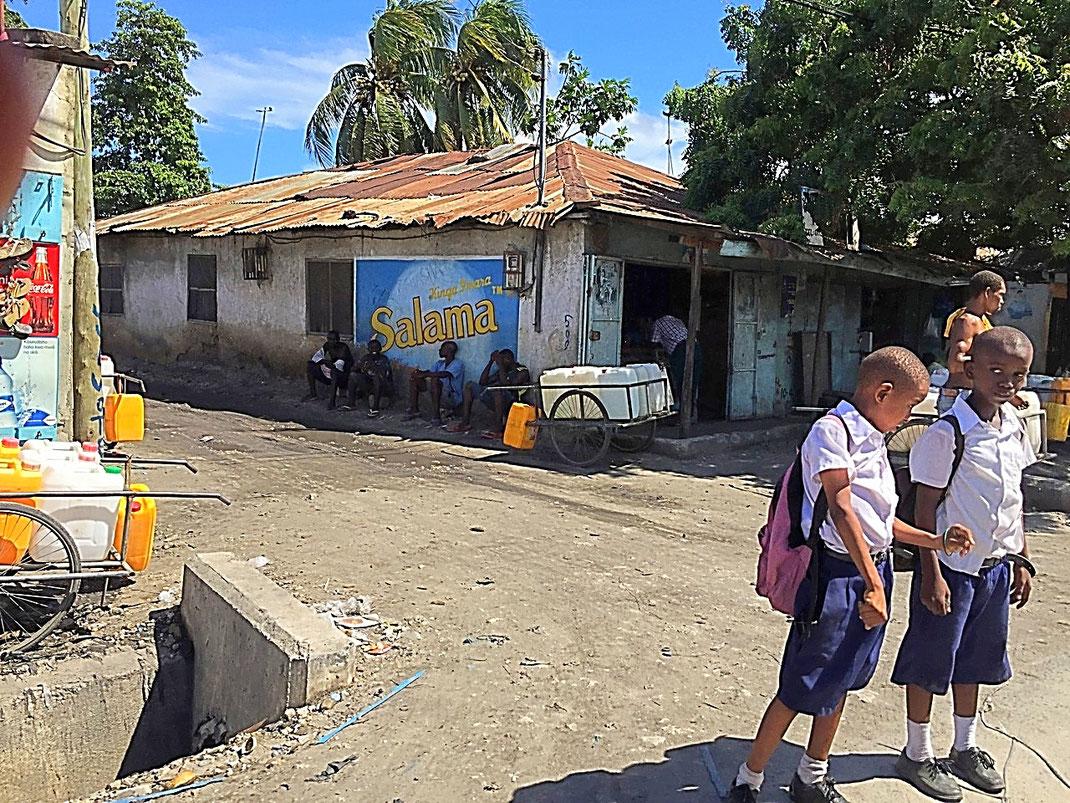 Sortie des classes à Dar