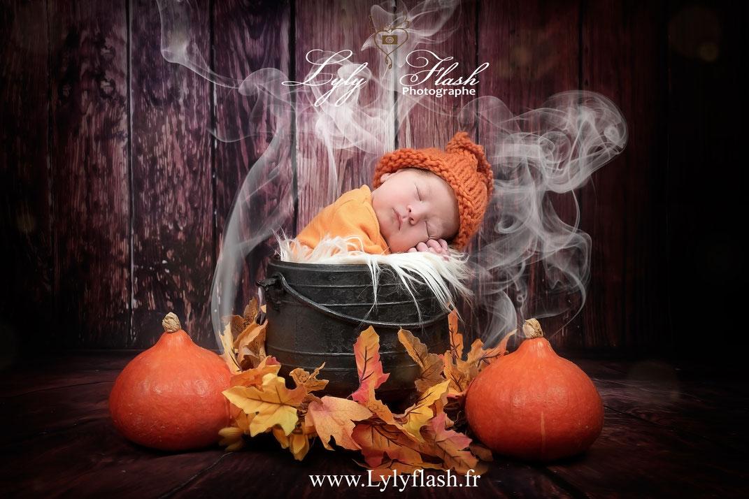 photographe naissance bébé halloween citrouille chaudron