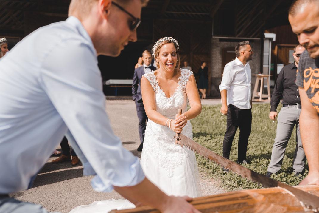 Brautpaar weint