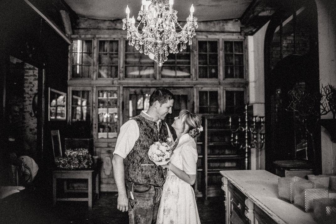Hochzeit, Gläserhof, Trachtenhochzeit, Hochzeitsfotografie, Hochzeitsfotografin im Unterallgäu, Lets make memories, Photographie by Romina