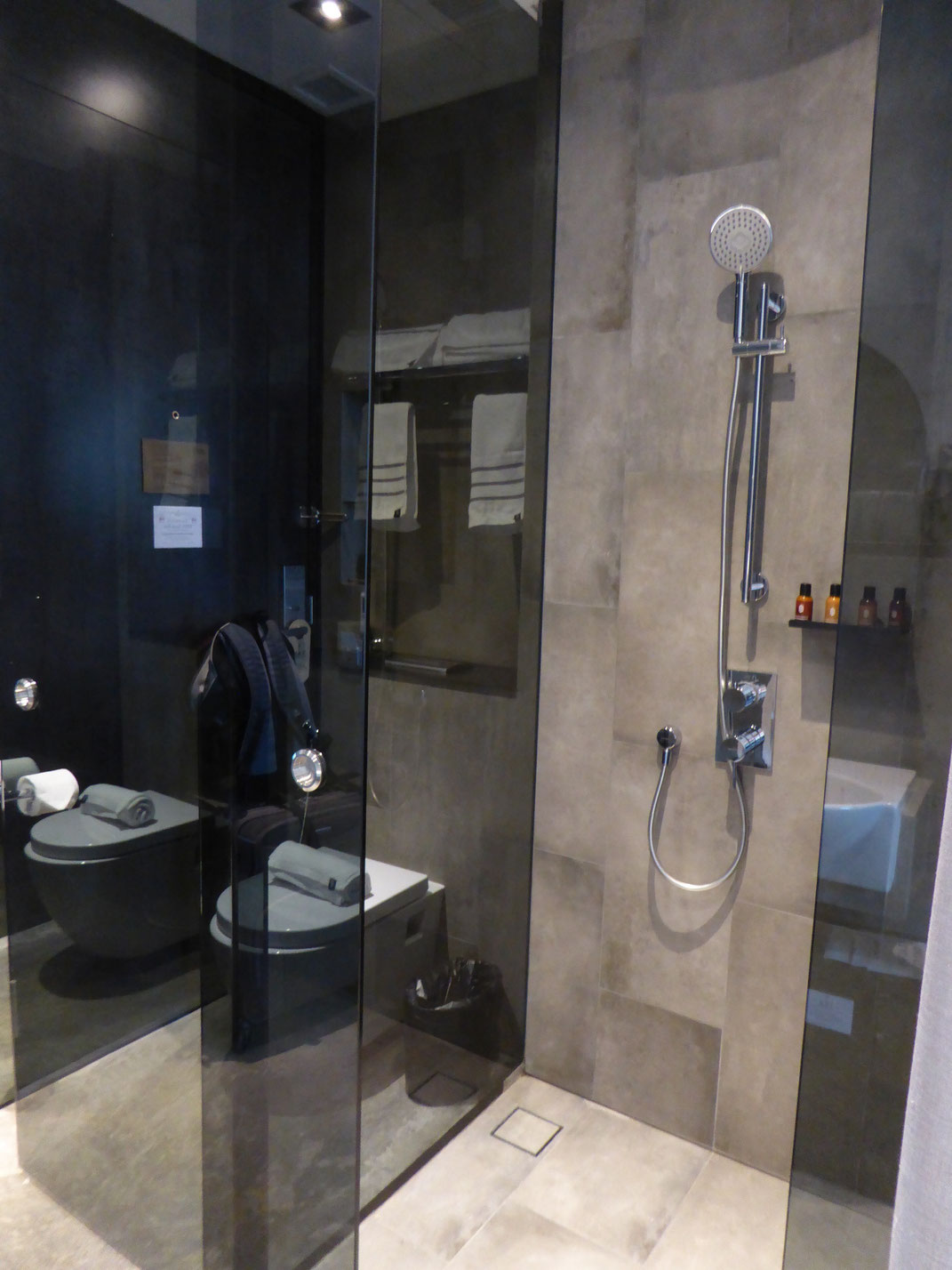Badezimmer, Hotel YAN, Singapur