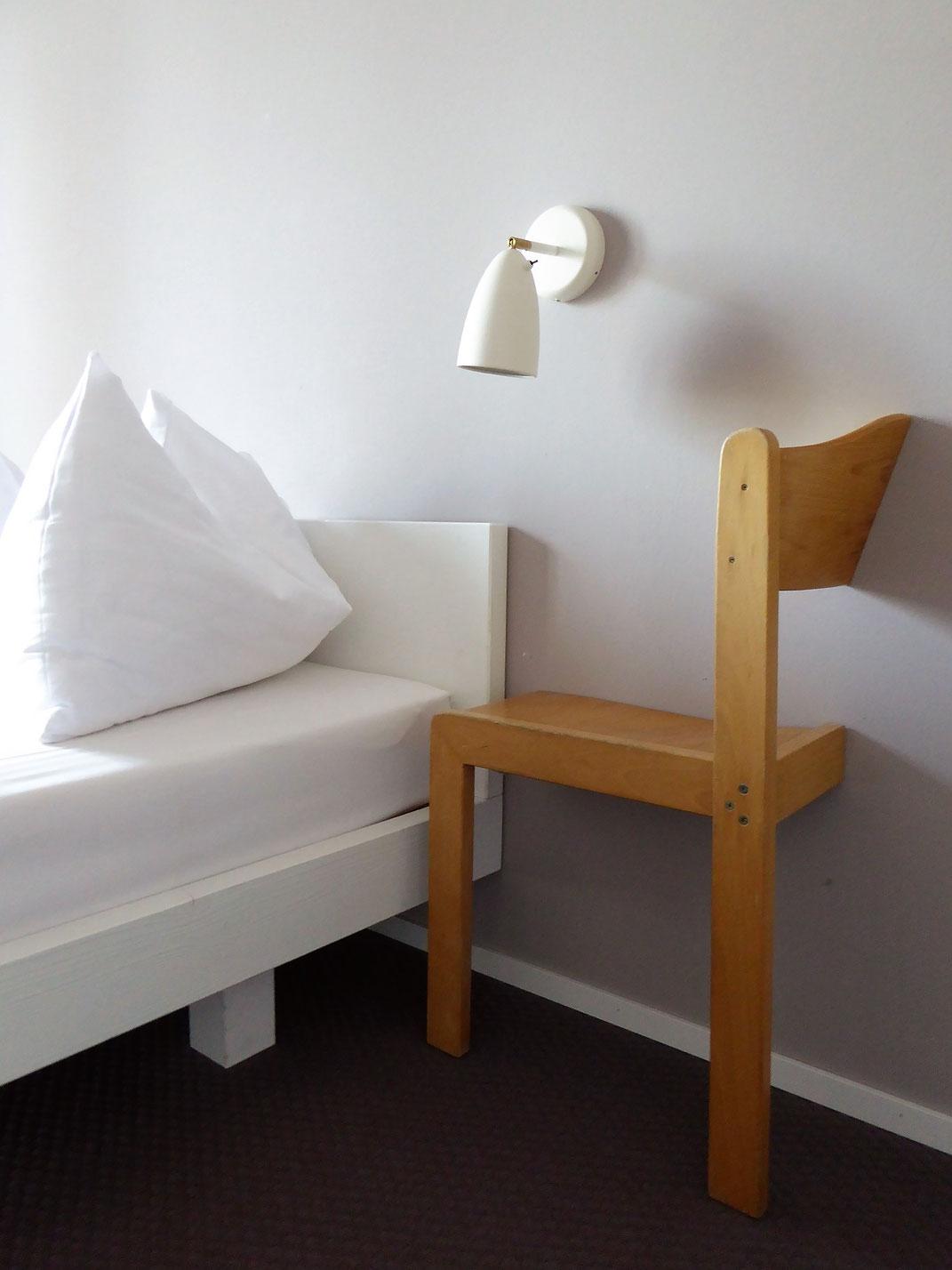 Bequeme Betten und liebevolle Details im magdas Hotel, Wien.