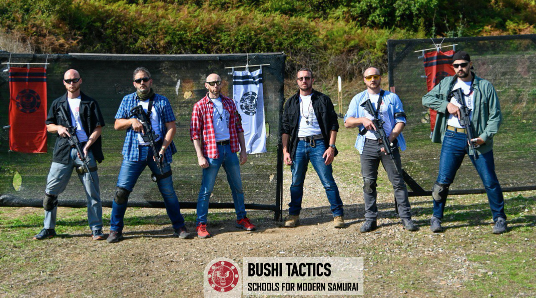 Nella foto, 4 dei 5 candidati istruttori. Il terzo, partendo da sinistra, è Manrico Erriu, fondatore e Master Teacher della BUSHI Tactics, Schools for Modern Samurai.